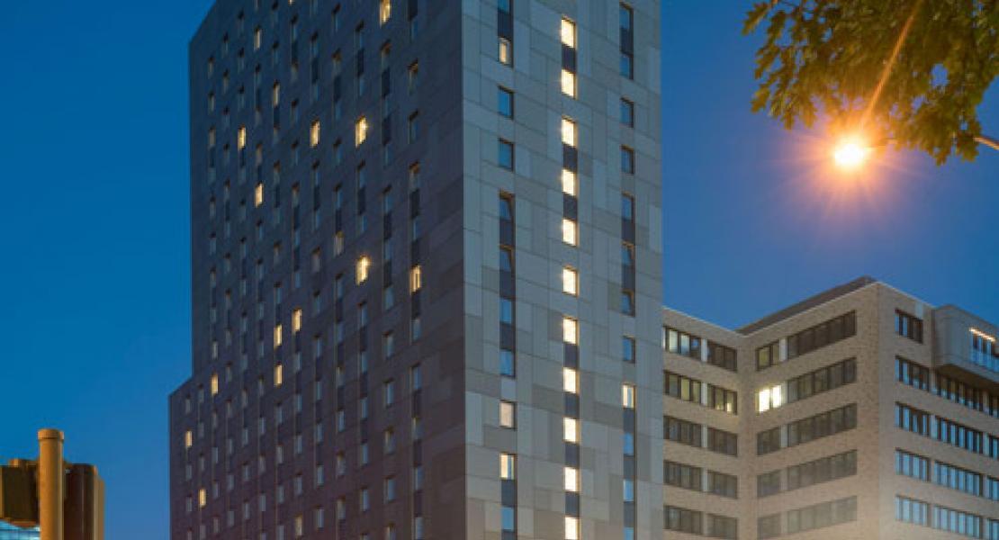 hotel motel one hamburg alster zukunftskonferenz licht 2019. Black Bedroom Furniture Sets. Home Design Ideas